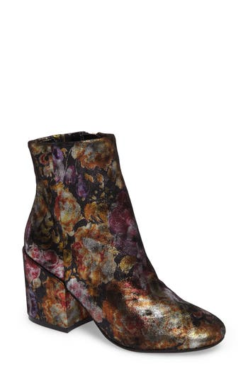Kenneth Cole New York Reeve 4 Floral Applique Bootie- Purple