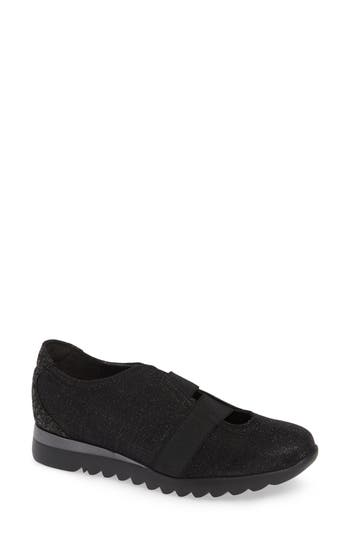 Munro Alta Slip-On Sneaker