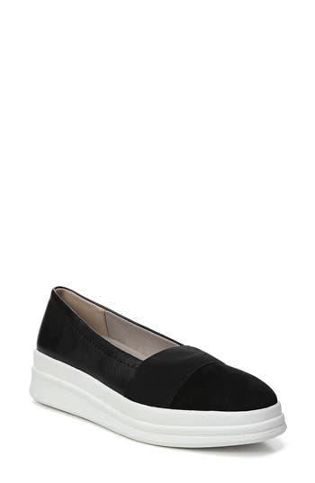 Naturalizer Yuri Slip-On Sneaker