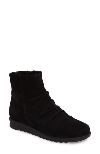 Vaneli Dollie Bootie, Black