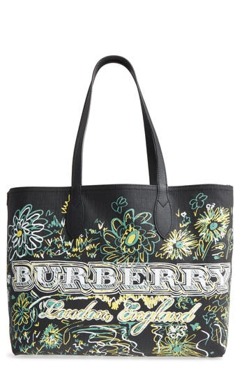 Burberry Doodletote/check Reversible Canvas Tote - Black