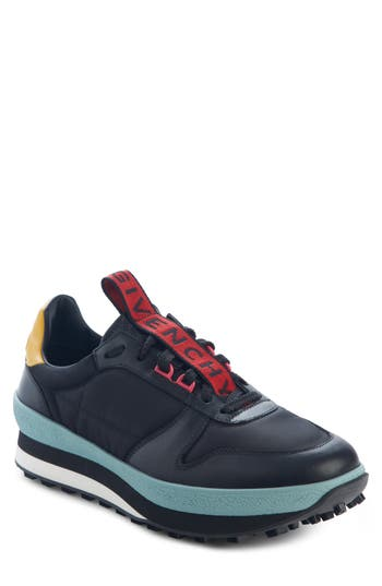 Givenchy TR3 Low Runner Sneaker