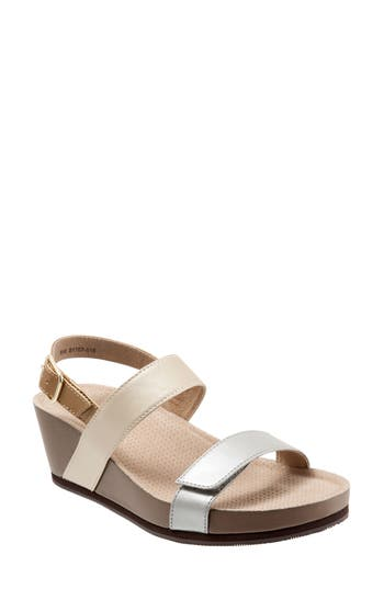 Softwalk Hart Wedge Sandal, Beige