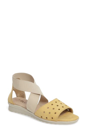 Women's The Flexx Fan Fair Sandal, Size 6 M - Yellow