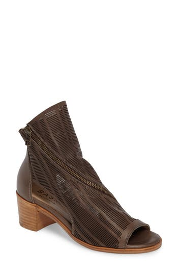 Women's Baske California Azalea Angle Zip Bootie, Size 6 M - Grey