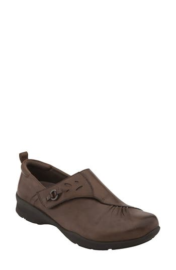 Earth Amity Loafer- Brown
