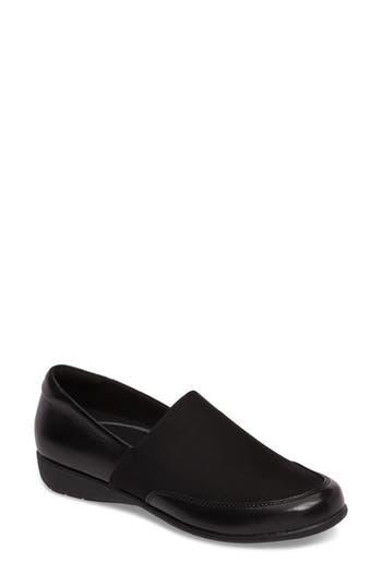 Aravon Abbey Slip-On - Black