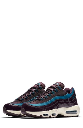 Nike Air Max 95 Special Edition Running Shoe- Burgundy