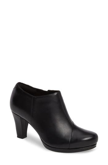 Women's Clarks Chorus Jingle Bootie