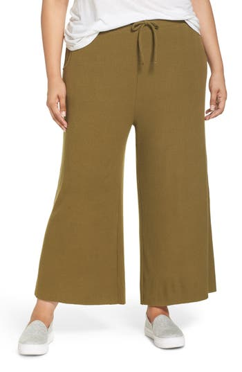 Ribbed Wide Leg Crop Pants