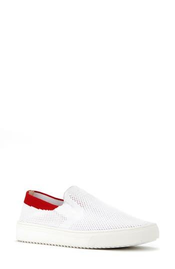 Blondo Gina Waterproof Sneaker- White