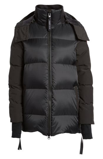 Canada Goose Whitehorse Hooded Water Resistant 675-Fill-Power Down Parka, (2-4) - Black