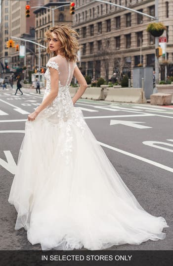 BLISS Monique Lhuillier Embroidered Lace Mermaid Gown