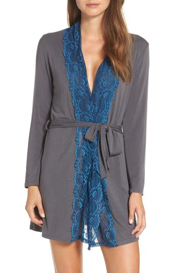 Samantha Chang Lace Trim Robe
