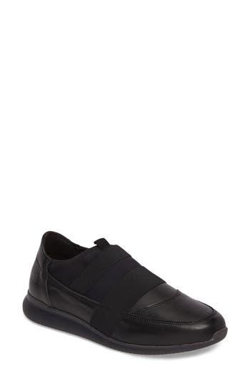 Cloud Rey Slip-On Sneaker - Black