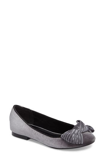 Women's Athena Alexander Lucille Bow Flat, Size 6 M - Grey