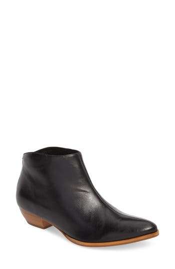 Matisse Aida Low Bootie- Black
