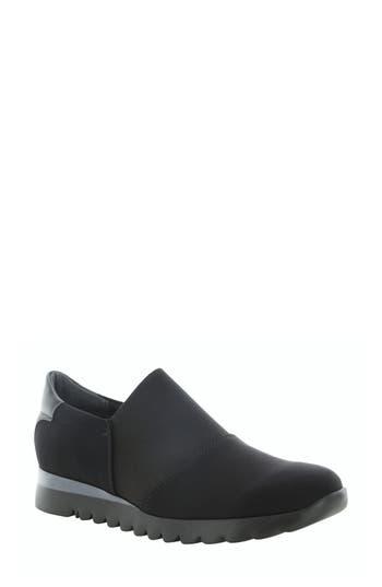 Munro KJ Slip-On Sneaker