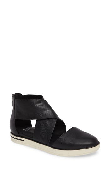 Eileen Fisher Carver Flat- Black
