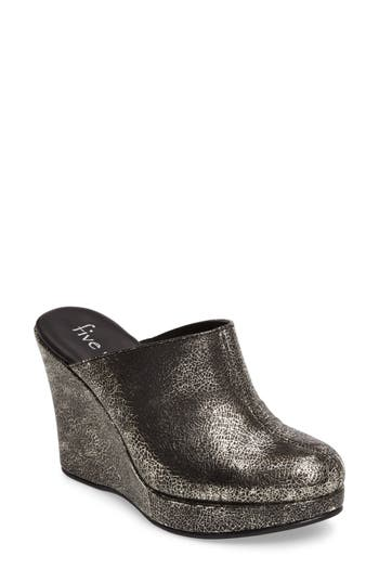 Five Worlds By Cordani Augustine Mule, Metallic