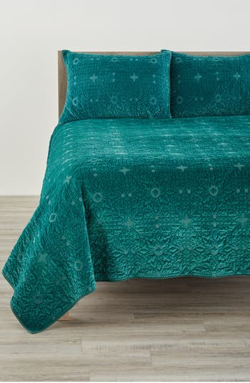 Nordstrom At Home Washed Velvet Quilt, Size King - Green