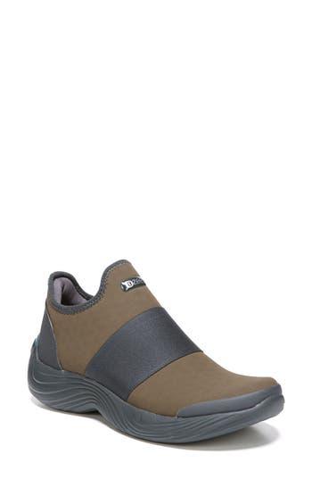 Bzees Terri Slip-On Sneaker, Brown