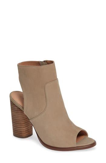 Caslon® Miles Sandal