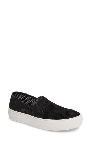 Steve Madden Gills-M Mesh Slip-On Sneaker