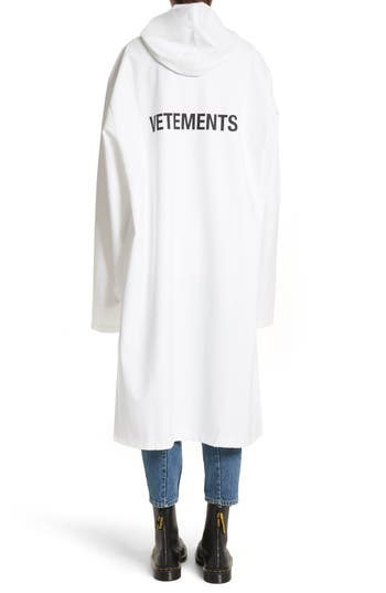 Women's Vetements Logo Raincoat, Size One Size - White