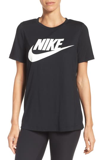 Nike Sportswear Essential Tee, Black