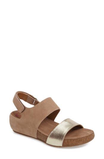 Comfortiva Seeley Sandal, Brown