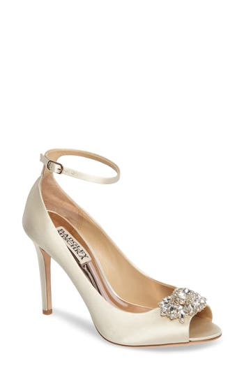 Badgley Mischka Kali Ankle Strap Pump, Ivory