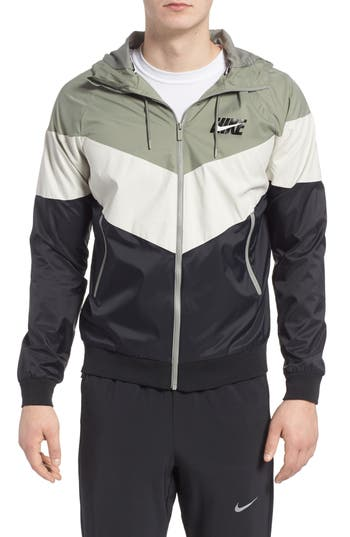 Nike Windrunner Wind & Water Repellent Hooded Jacket