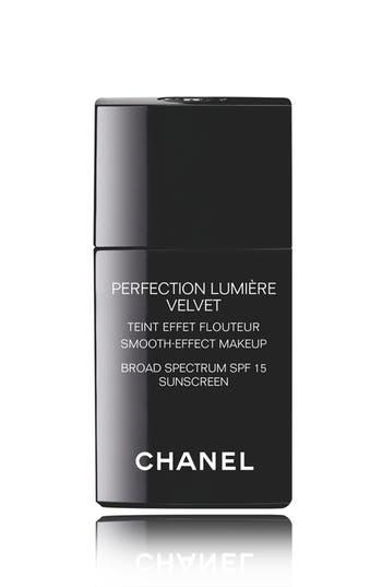 Chanel Perfection Lumière Velvet Smooth-Effect Makeup Broad Spectrum Spf 15 Sunscreen - 12 Beige Rose