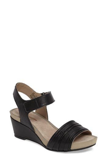 Hush Puppies Eviee Cassale Wedge Sandal, Black
