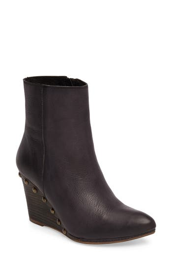 Matisse Viper Wedge Bootie, Black