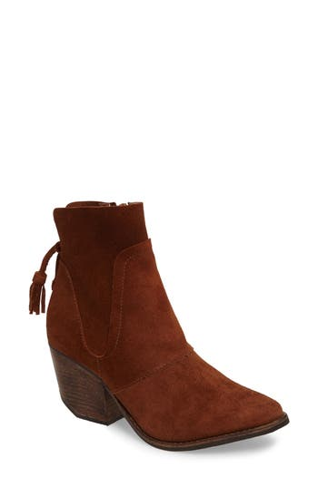 Matisse Laney Notched Heel Bootie- Brown