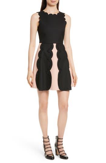 Red Valentino Scalloped Tricotine Tech Dress, US / 48 IT - Black