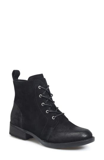 B?rn Troye Vintage Lace-Up Boot- Black