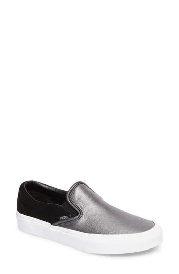 Vans Classic Slip-On Sneaker, Black