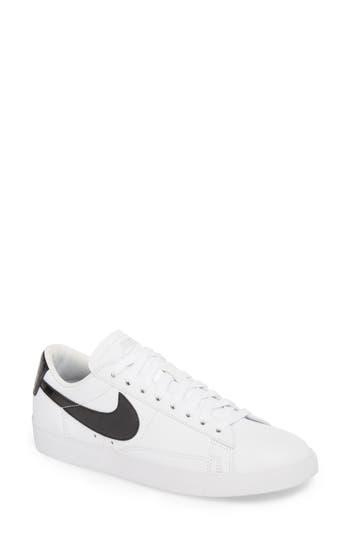 Nike Blazer Low Essential Sneaker