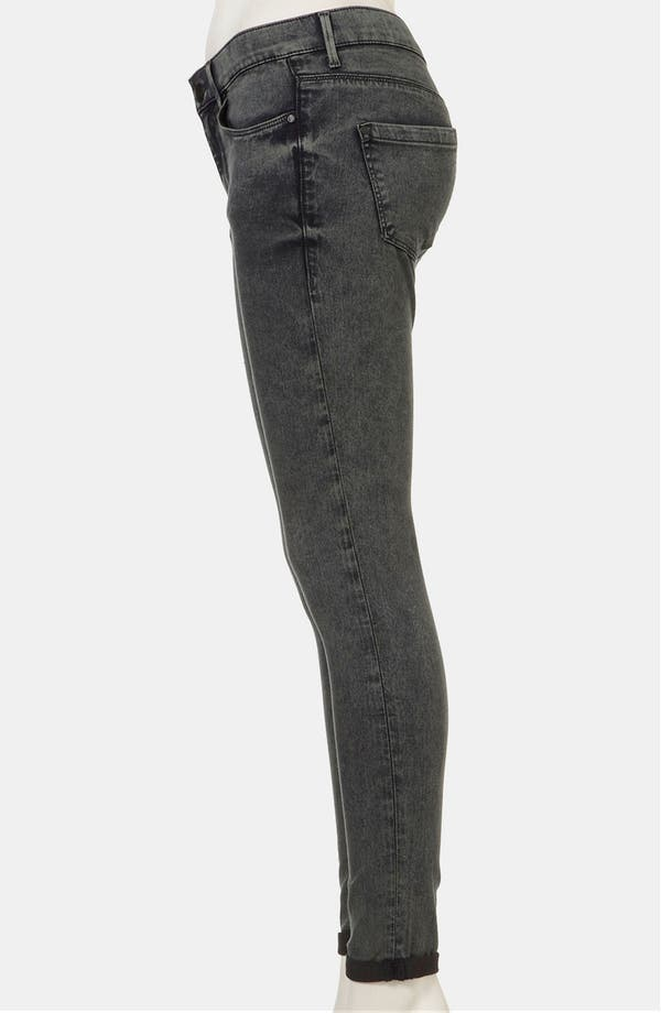 Alternate Image 4  - Topshop Moto 'Leigh' Acid Wash Skinny Jeans