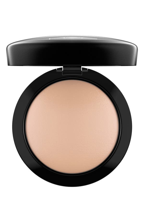 Alternate Image 1 Selected - MAC Mineralize Skinfinish Natural