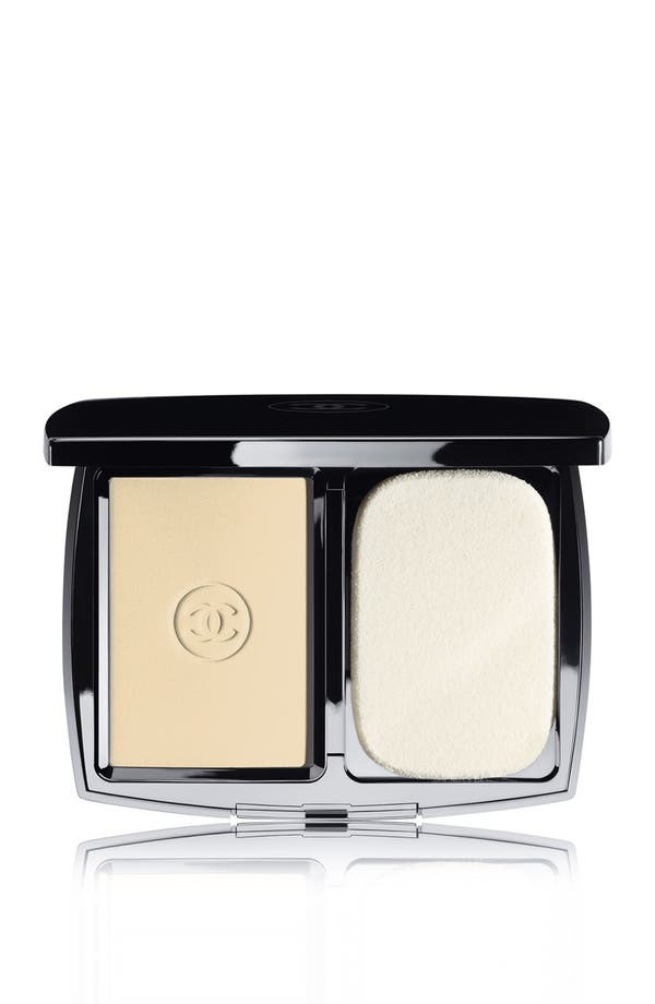 DOUBLE PERFECTION LUMIÈRE<br />Long-Wear Flawless Sunscreen Powder Makeup Broad Spectrum SPF 15,                         Main,                         color, 20 Beige