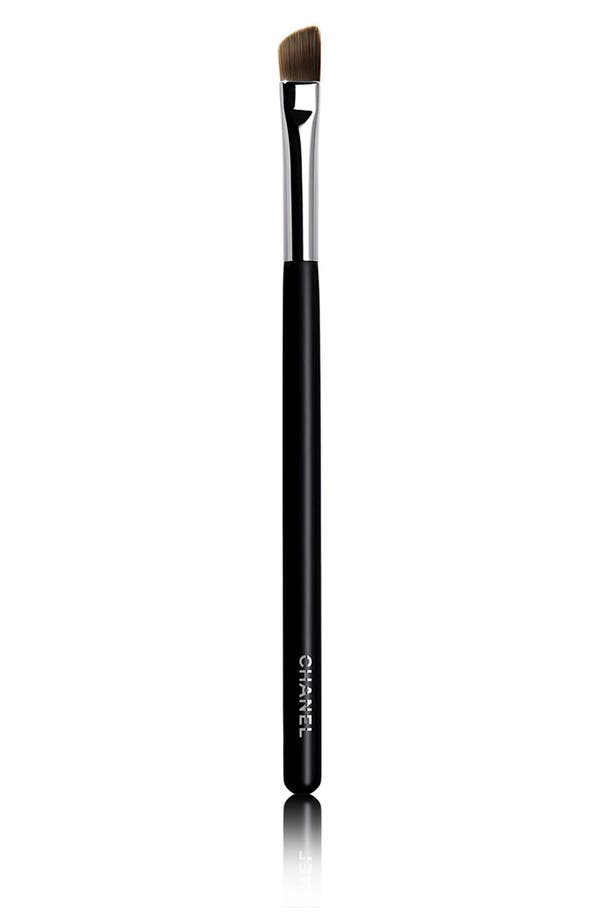 Main Image - CHANEL PINCEAU PAUPIÈRES BISEAUTÉ  Angled Eyeshadow Brush #27
