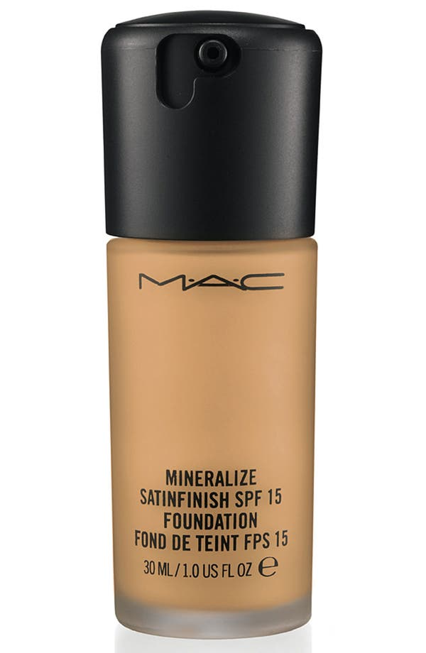 Alternate Image 1 Selected - M·A·C 'Mineralize' Satinfinish SPF 15 Foundation
