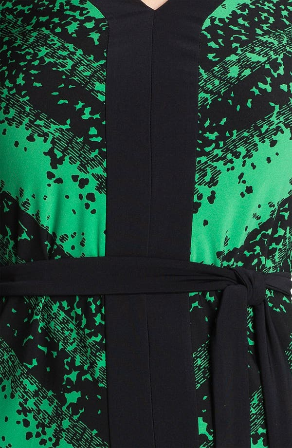 Alternate Image 3  - BCBGMAXAZRIA Contrast Trim Print Jersey Dress (Petite)