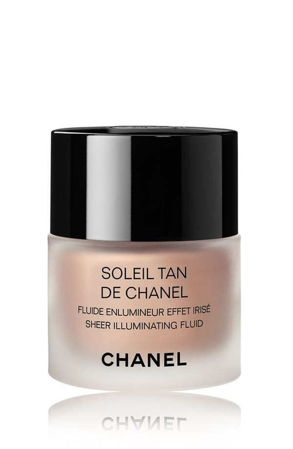 SOLEIL TAN DE CHANEL<br />Sheer Illuminating Fluid,                             Main thumbnail 1, color,                             Sunkissed