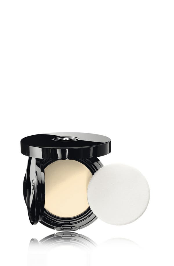 VITALUMIÈRE AQUA<br />Fresh and Hydrating Cream Compact Sunscreen Makeup Broad Spectrum SPF 15,                         Main,                         color, 10 Beige