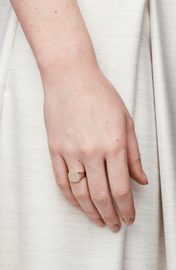 Tom Wood Gold miniature signet ring drZtst1